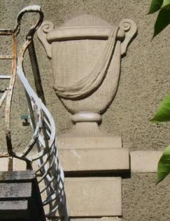 Villa Michel Detail Urne